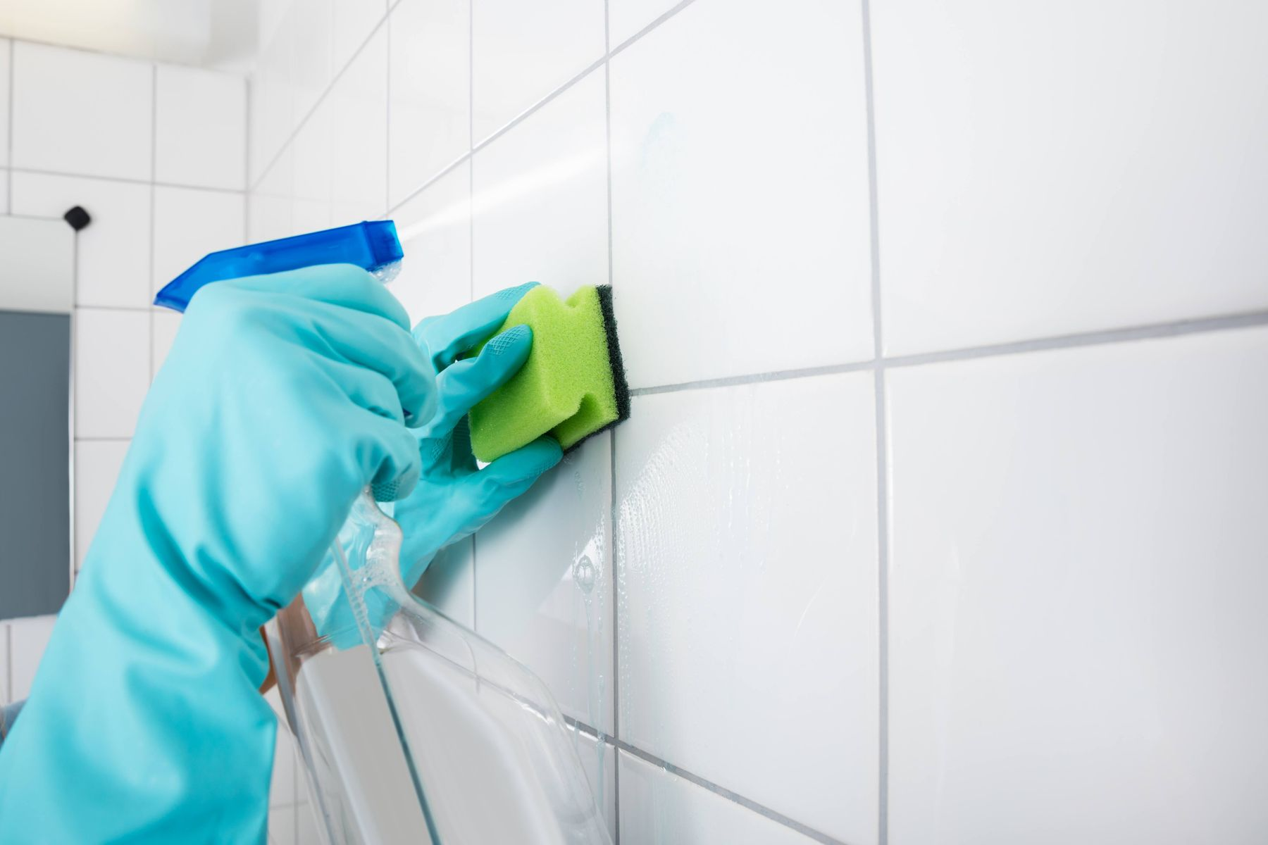 How to Clean your Floor Tiles | Cleanipedia