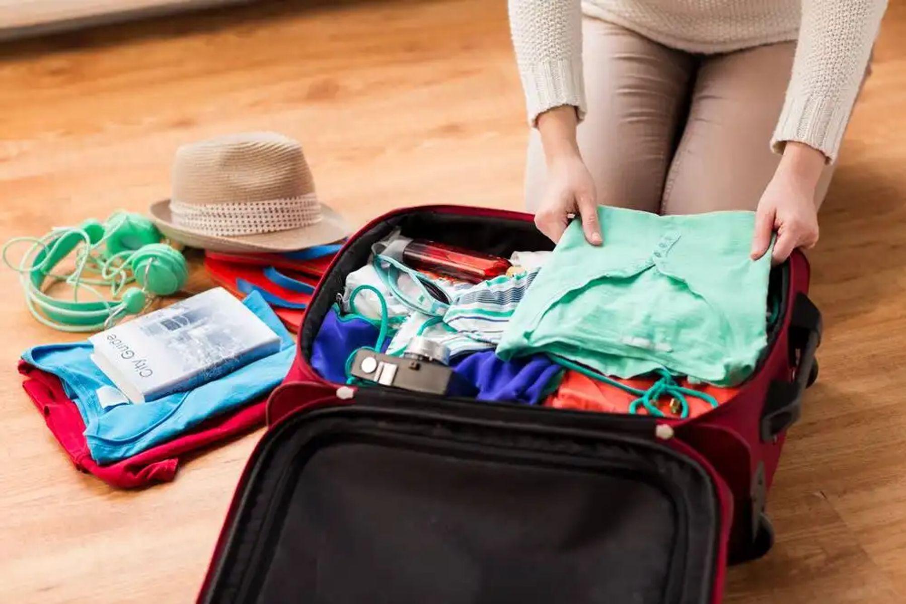 sắp xếp đồ đạc vào vali
