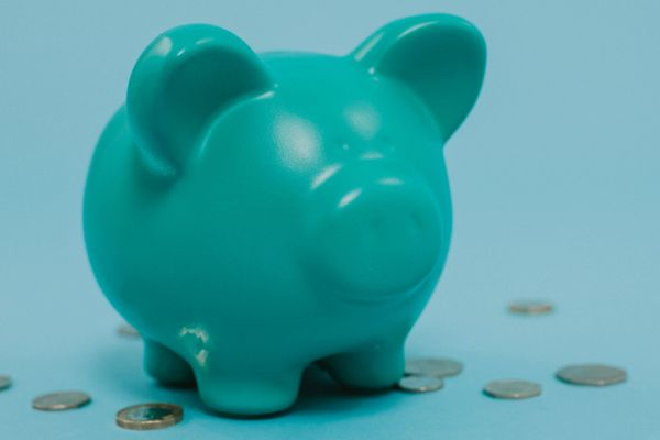 Blue piggy bank to symbolise budgeting your family finances