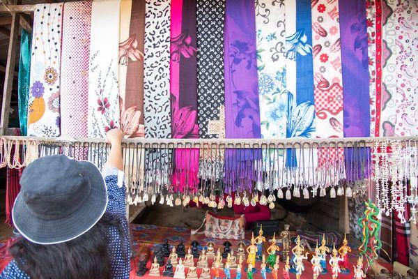 Karakteristik dan cara merawat baju bahan rayon