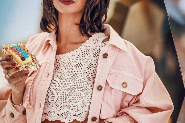 """#14 Cách phối đồ với áo croptop ôm """"chất lừ"""" cực đẹp mà bạn nên biết"""