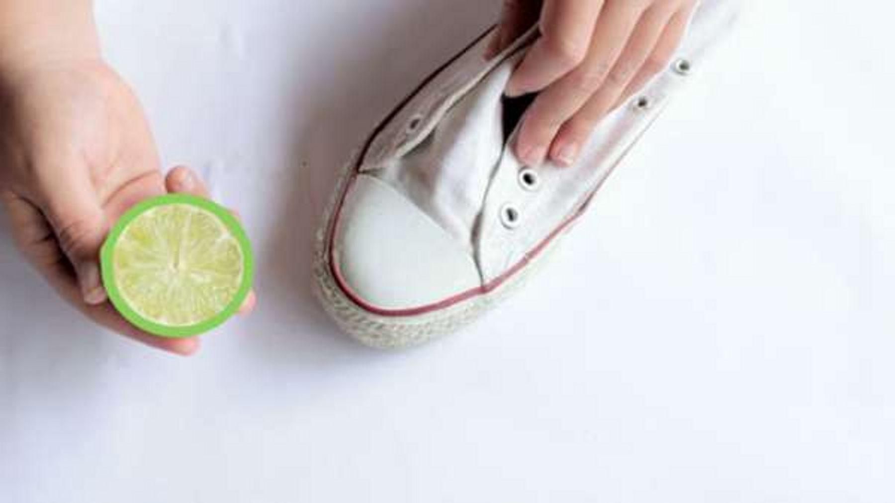 Cách khử mùi hôi giày bằng chanh tươi