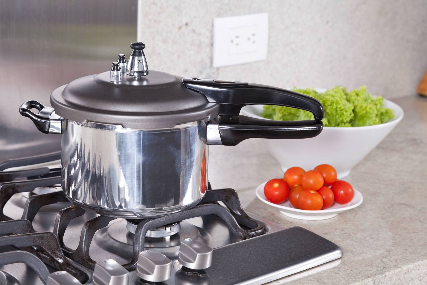 Blackened Pressure Cooker Bottom Giving You the Blues? Try These Tips!