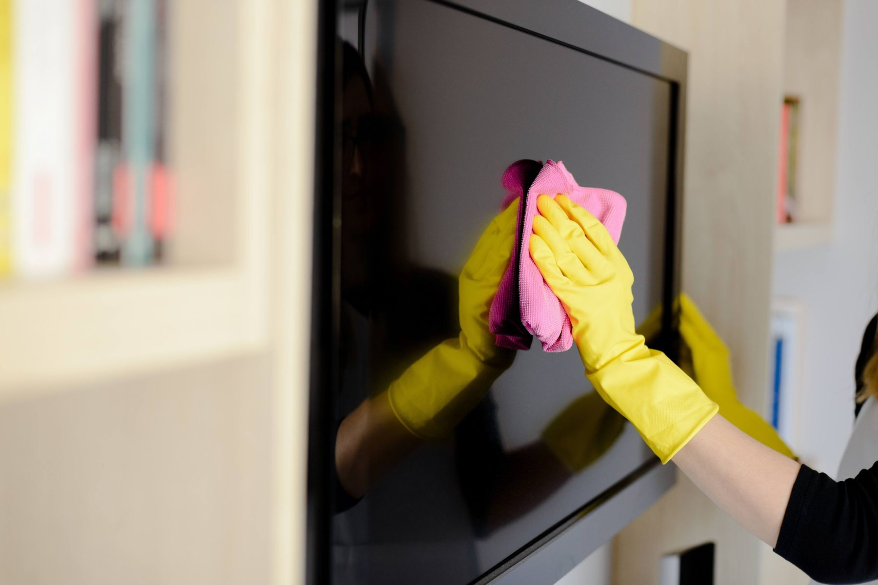 how to clean your television screen easily at home