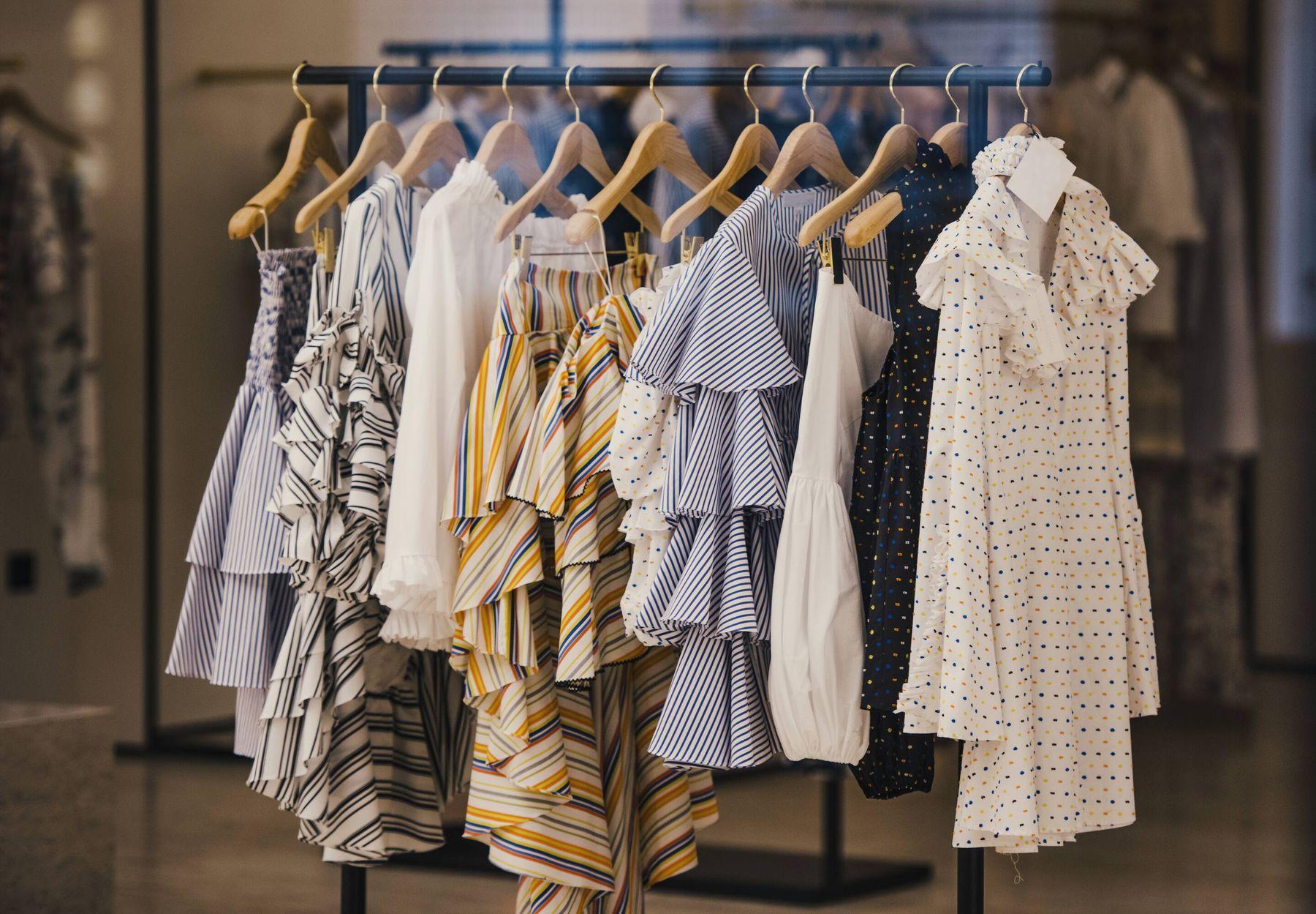 Chọn màu sắc quần áo hợp bản mệnh