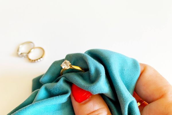 Gold ring with blue cloth
