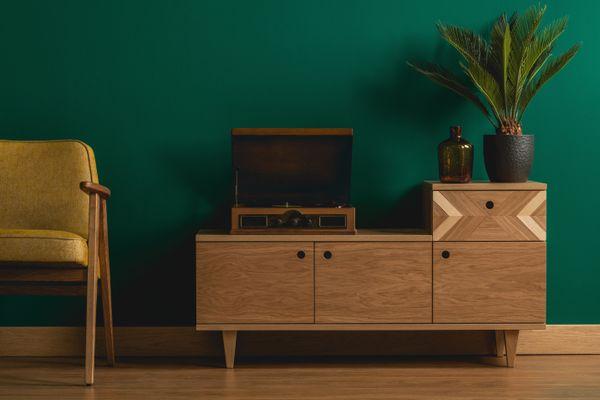 Como limpar móveis de madeira