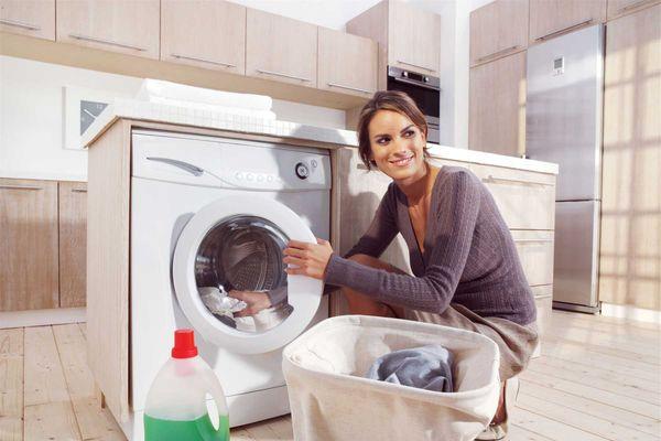 Cách giặt đồ bằng máy giặt sạch thơm, không bị nhăn