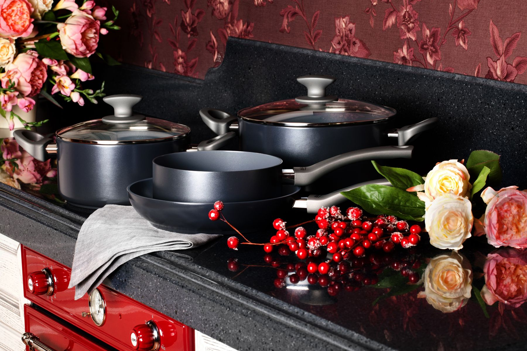 Why You Should Use Warm Water to Wash Your Pot and Pans shutterstock 393937138