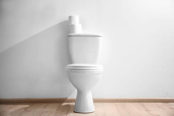 Có phải chỉ có sáp thơm mới khử mùi nhà vệ sinh hiệu quả?