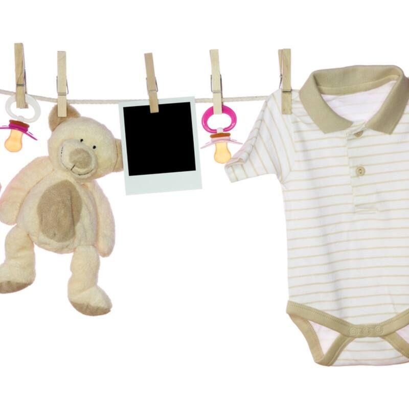 Mẹo chọn lựa & chăm sóc quần áo cho bé để tránh việc khô da