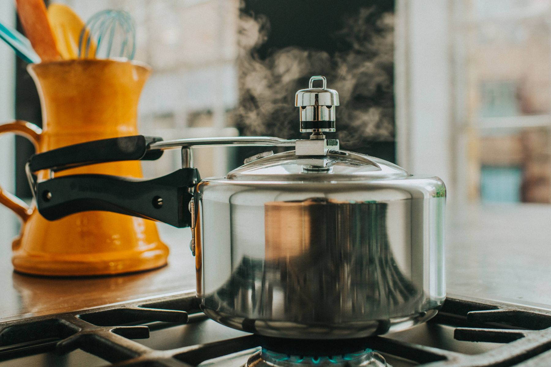 pressure cooker cleaning