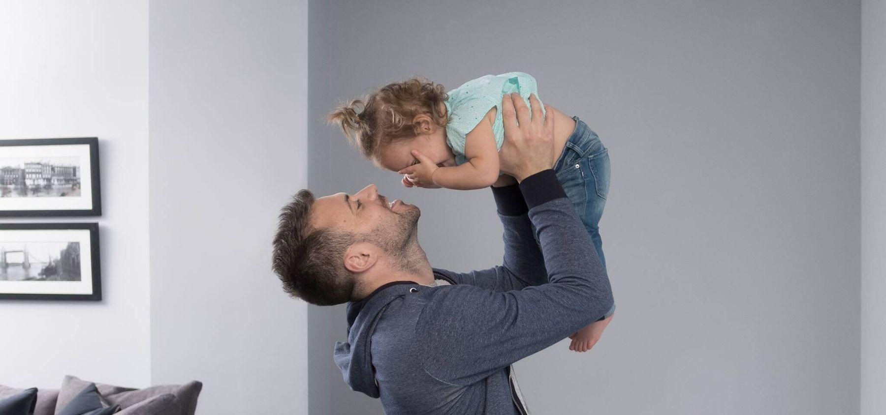 Trẻ ở cùng phòng với bố mẹ khiến bệnh viêm phổi không khỏi