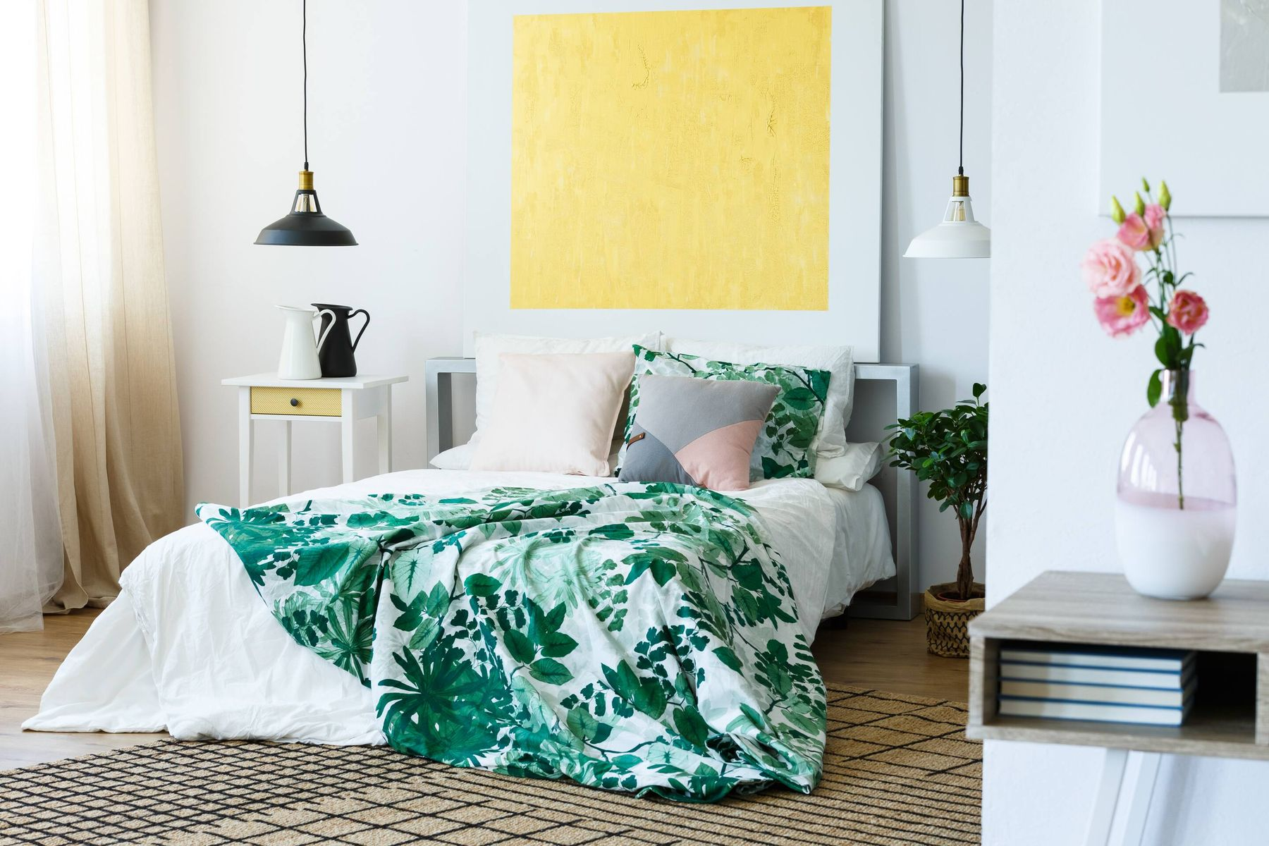how to soundproof a room: quiet bedroom