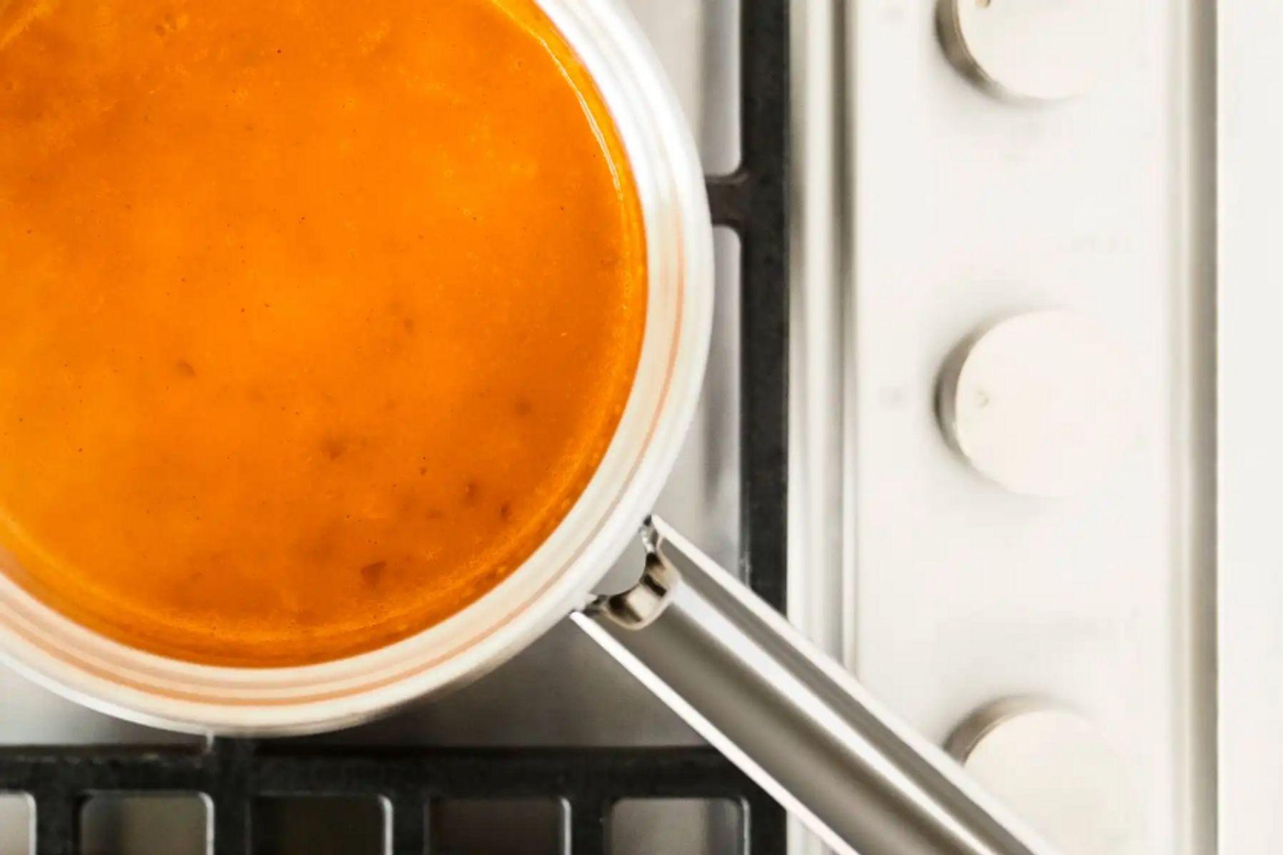 ¿Cómo sacar el olor a comida de la casa?