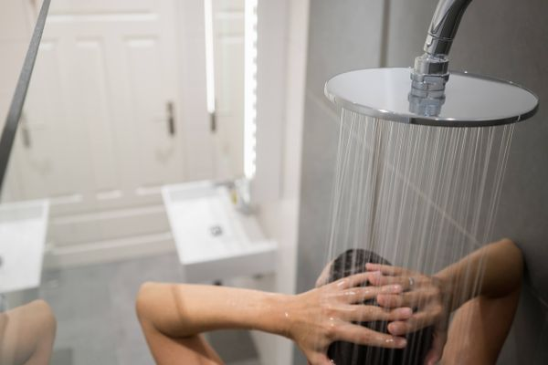 How to Fix the Weak Water Pressure Problem in Your Shower | Get Set Clean