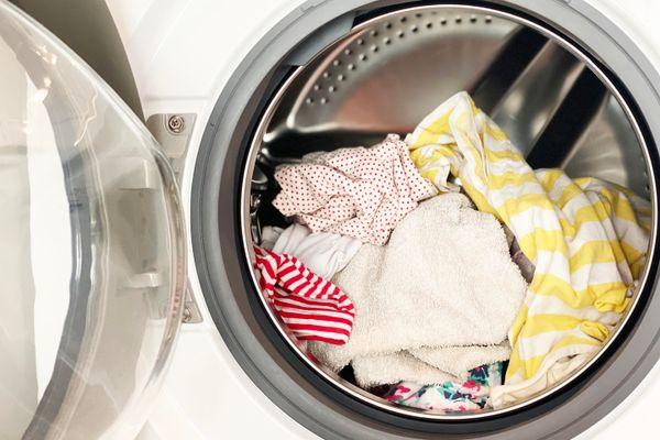 Làm thế nào để quần áo thơm lâu khi giặt bằng máy giặt