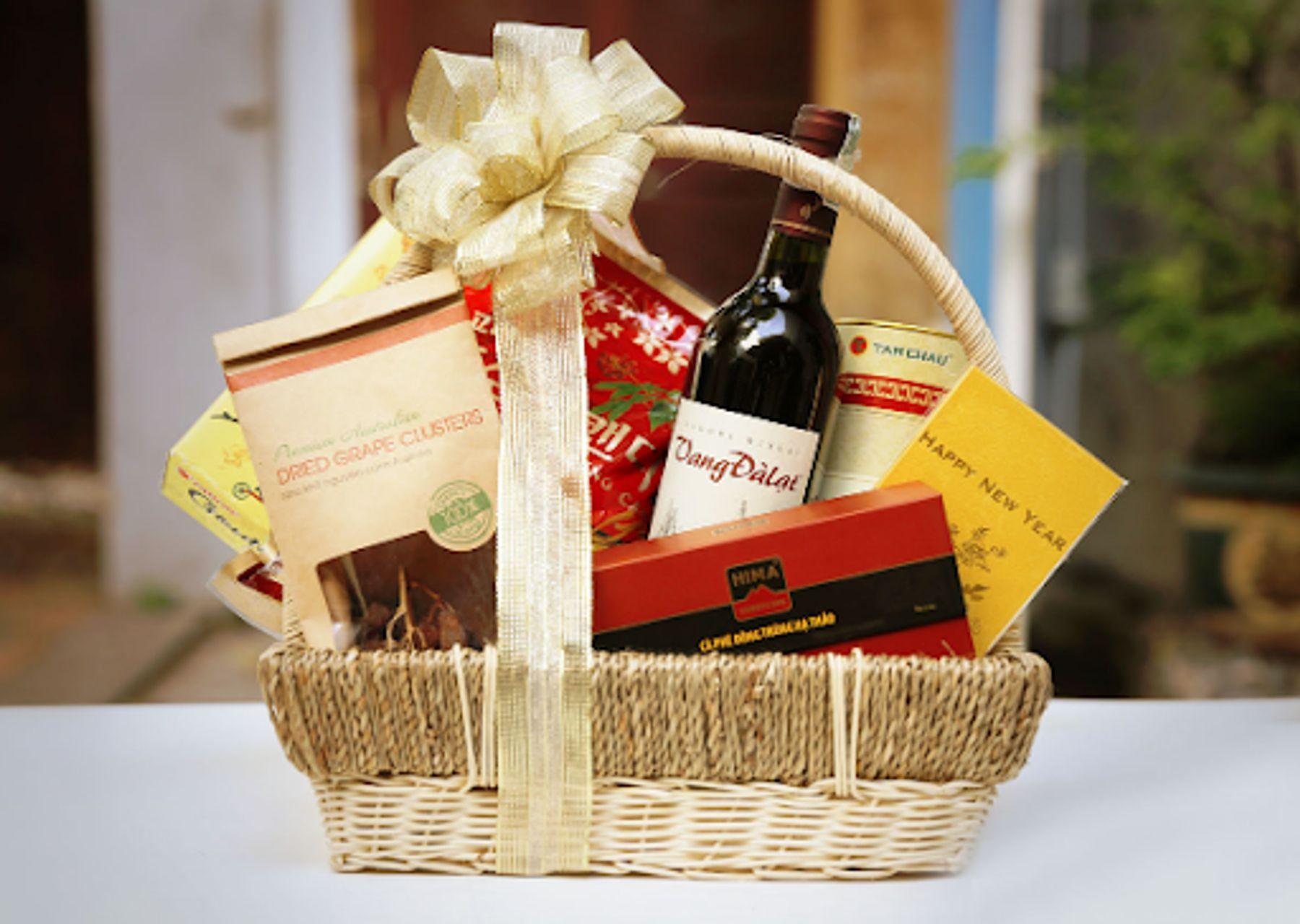 Gói quà tết gồm những món gì?