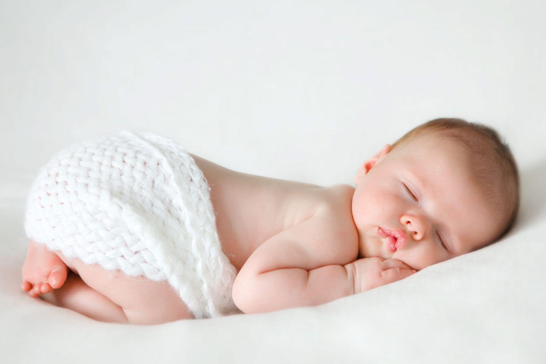 #8 Cách Chăm Sóc Trẻ Sơ Sinh Mùa Hè Và Lưu Ý Quan Trọng Mẹ Nên Biết