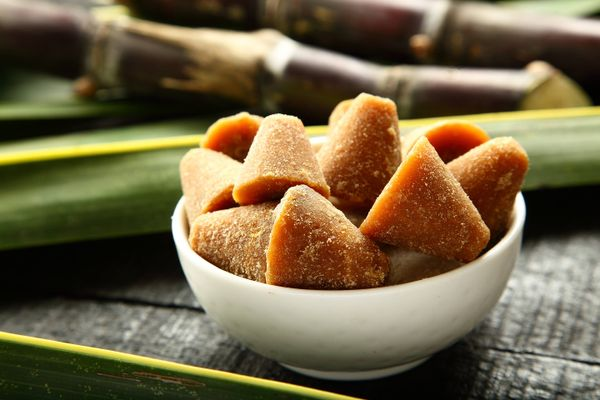 How to Remove Jaggery Stains from Your Clothes