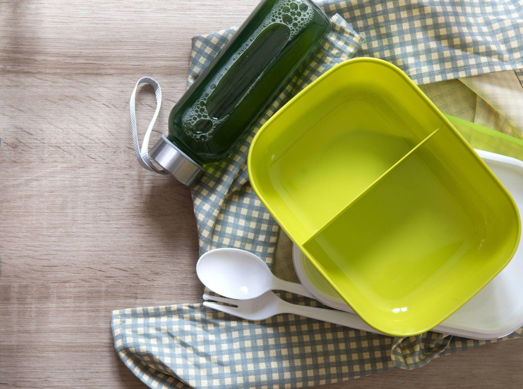 muỗng đũa nĩa chén hộp đựng bằng nhựa cần được thay mới 3 tháng lần