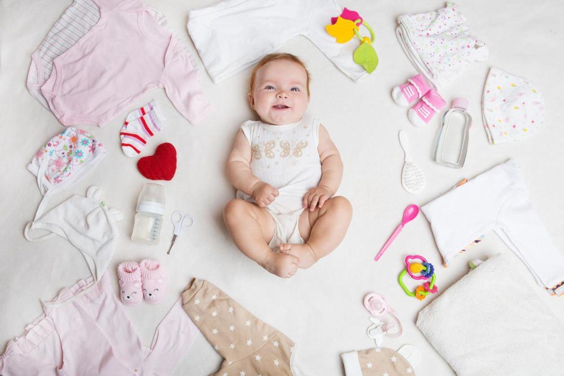 Quần áo cho bé - đồ dùng cho trẻ sơ sinh không thể thiếu