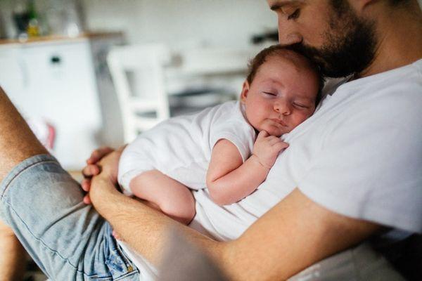 Lưu Ý & Cách Chăm Sóc Trẻ Sơ Sinh Mới Chào Đời Đến 6 Tháng Tuổi