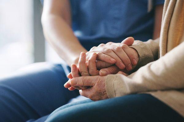 Bescherm ouderen tegen virussen: zo doe je dat