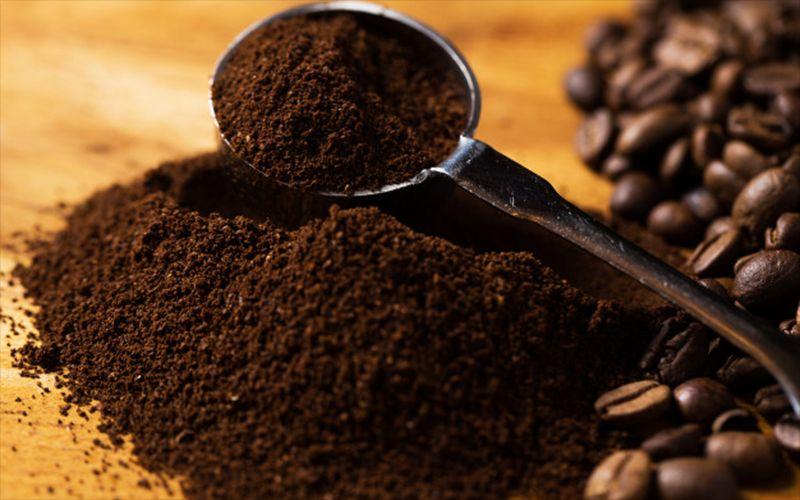 Cách làm thuốc nhuộm quần áo màu đen, xám từ bột cà phê