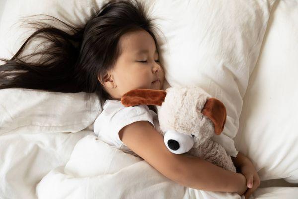 10 vật dụng cần thiết mẹ cần chuẩn bị cho bé đi nhà trẻ