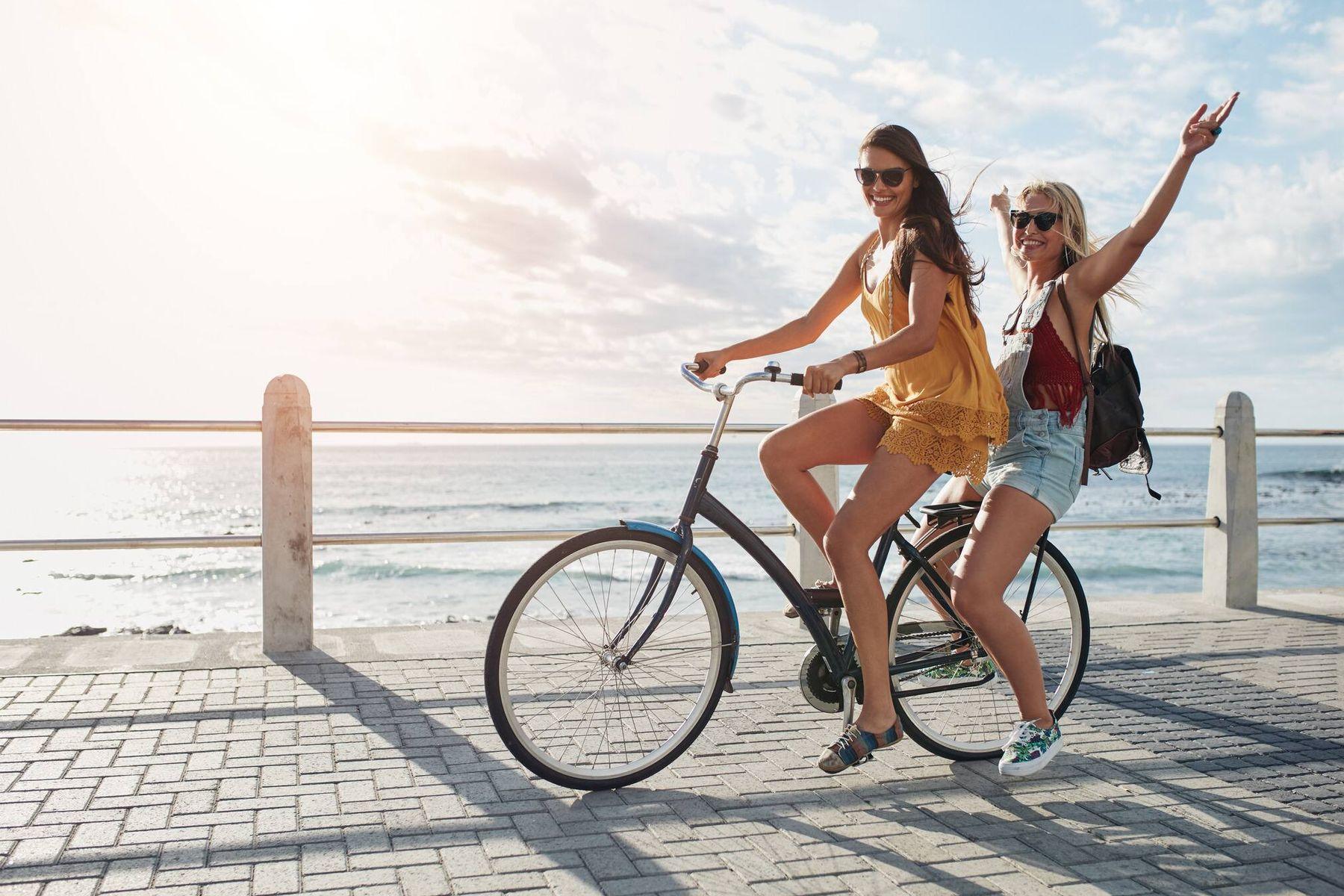 10 Vật dụng đi biển cho chuyến du lịch cực