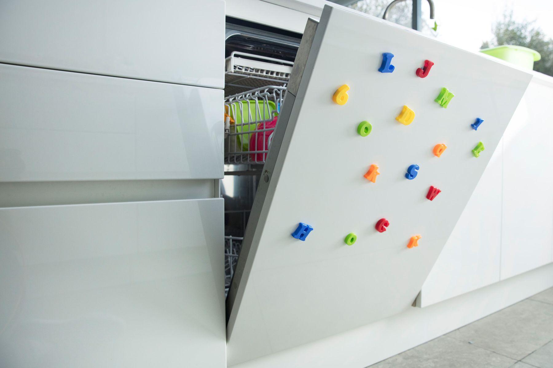 Maquina de lavar louças aberta