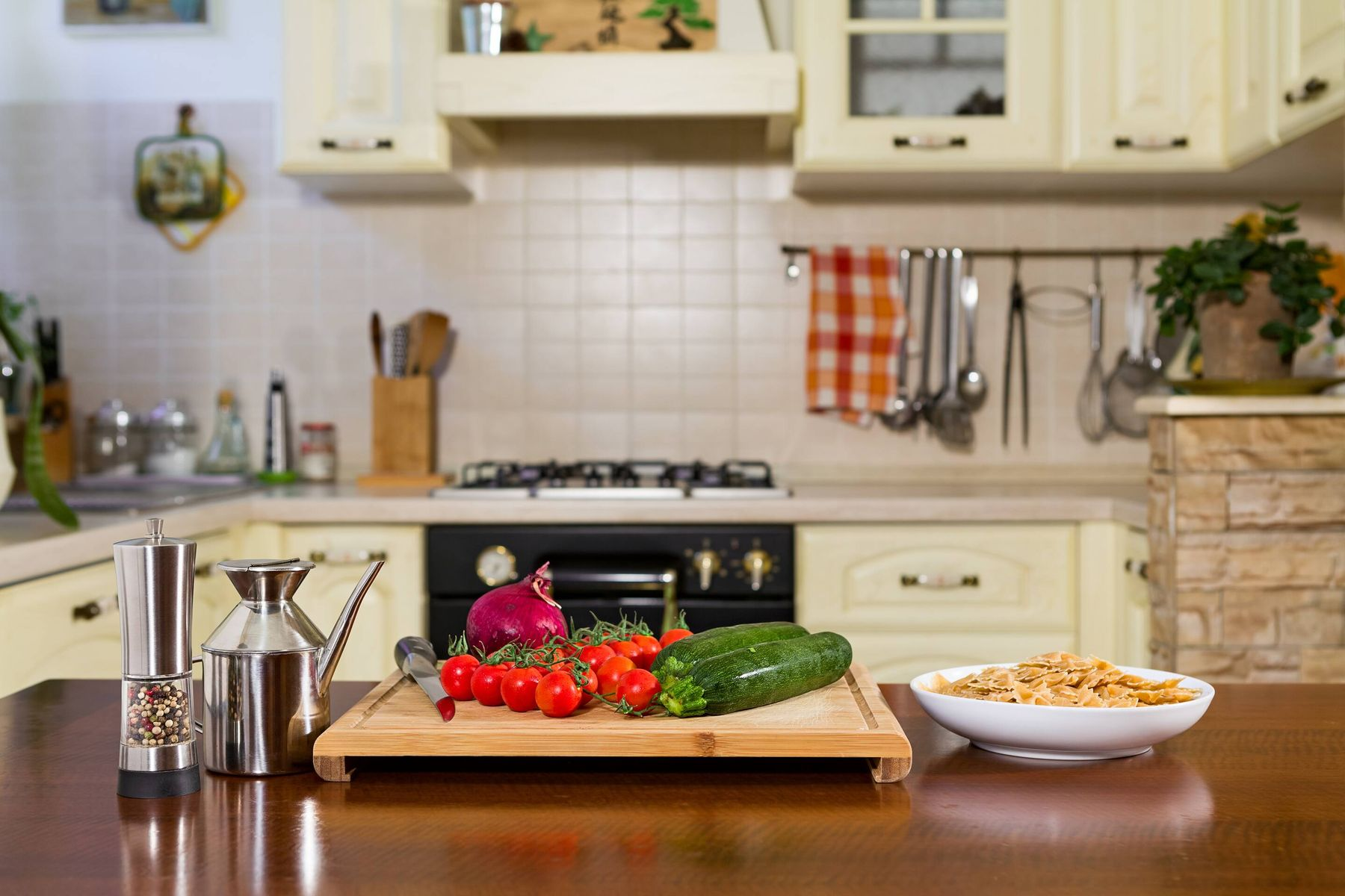 5 Tips to Keep Your Kitchen Clean While Cooking | Get Set Clean