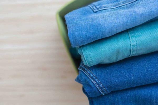 Trước khi giặt khô, cần xử lý các vết bẩn    Cleanipedia