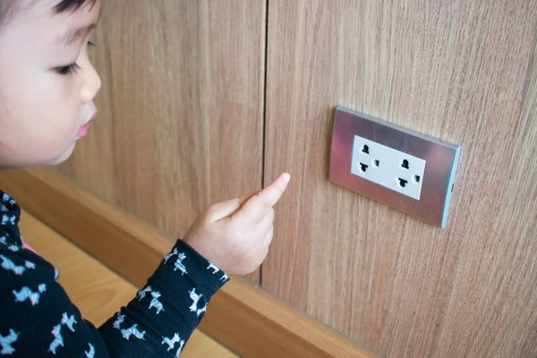 7 Mối nguy trong nhà cho sự an toàn của trẻ