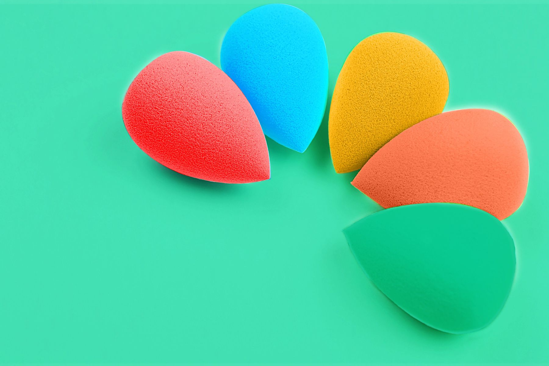 makeup sponges in varying colours