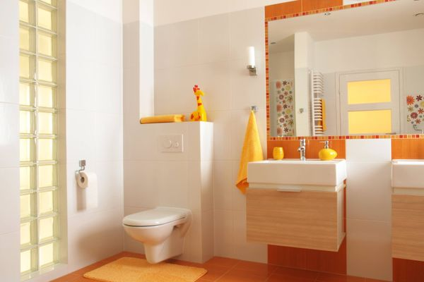 Có nên mua đèn sưởi nhà tắm không? Đâu là tiêu chí lựa chọn đèn sưởi tốt?