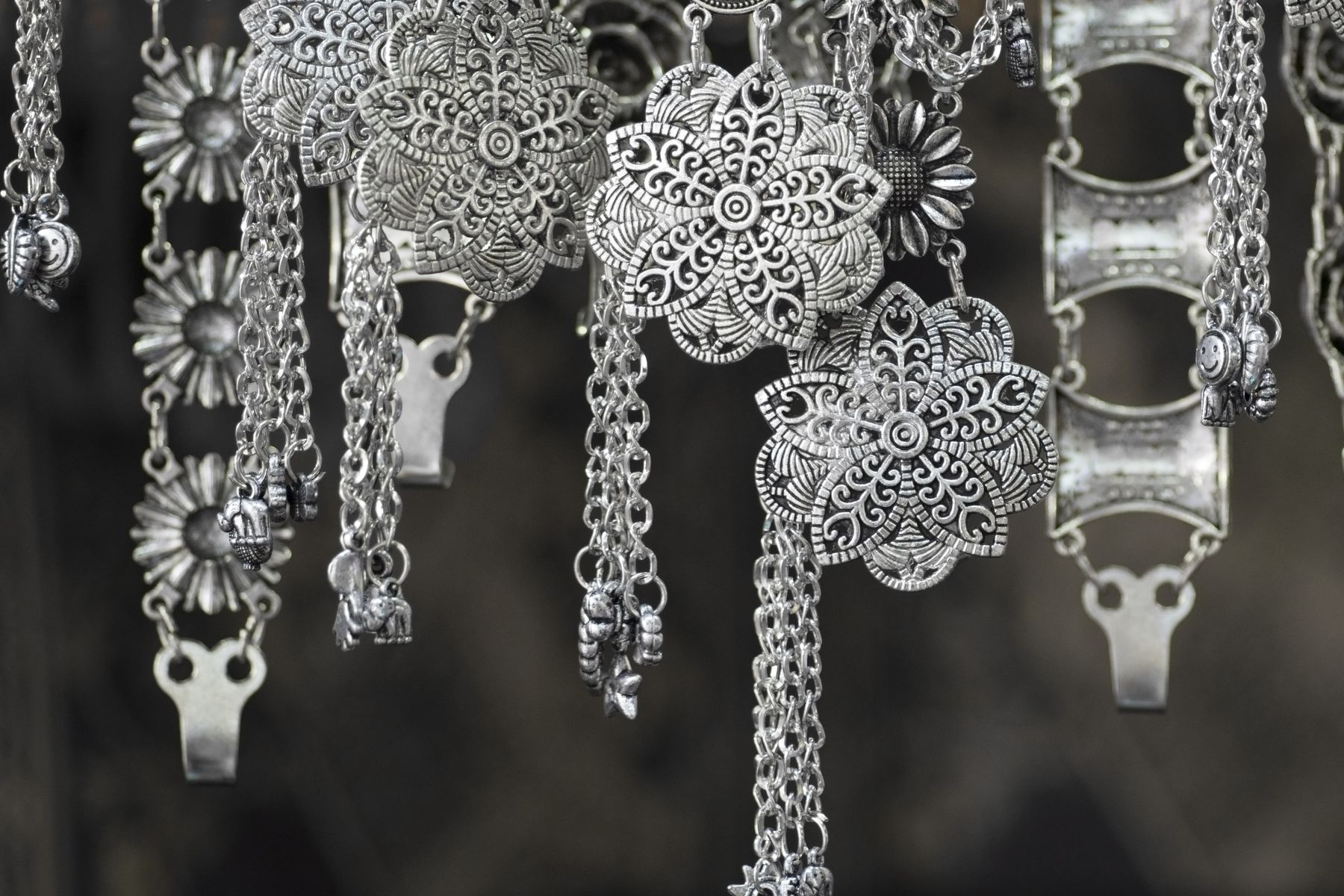 How to Make Your Silver Artefacts and Jewellery Look Like New shutterstock 290834516