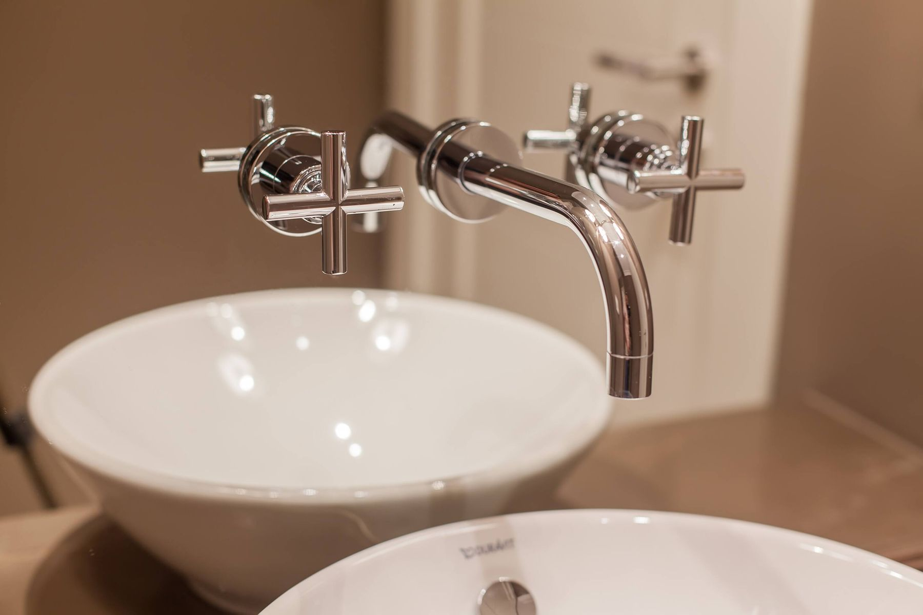 Here's How to get your bathroom fixtures smudge–free