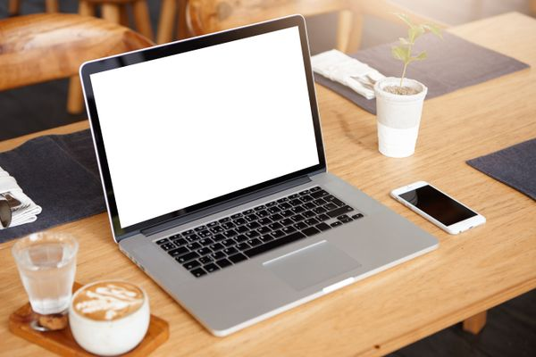 Hướng dẫn cách tự vệ sinh laptop tại nhà cực đơn giản