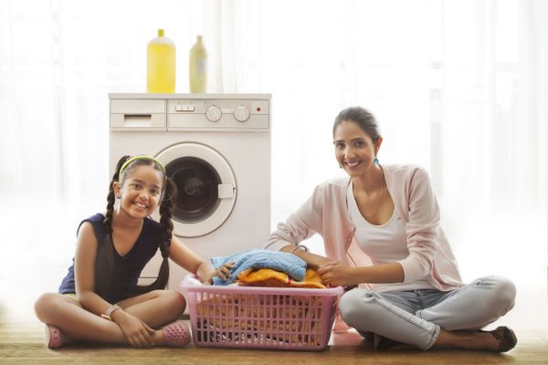 How to Teach Your Kids to Wash Theis Own Clothes | Cleanipedia
