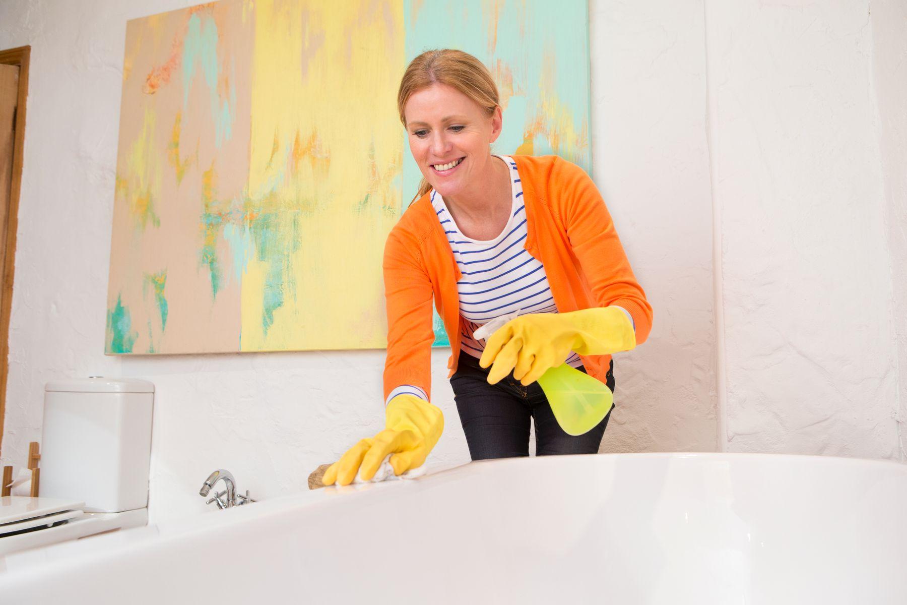 Cómo limpiar una bañera correctamente