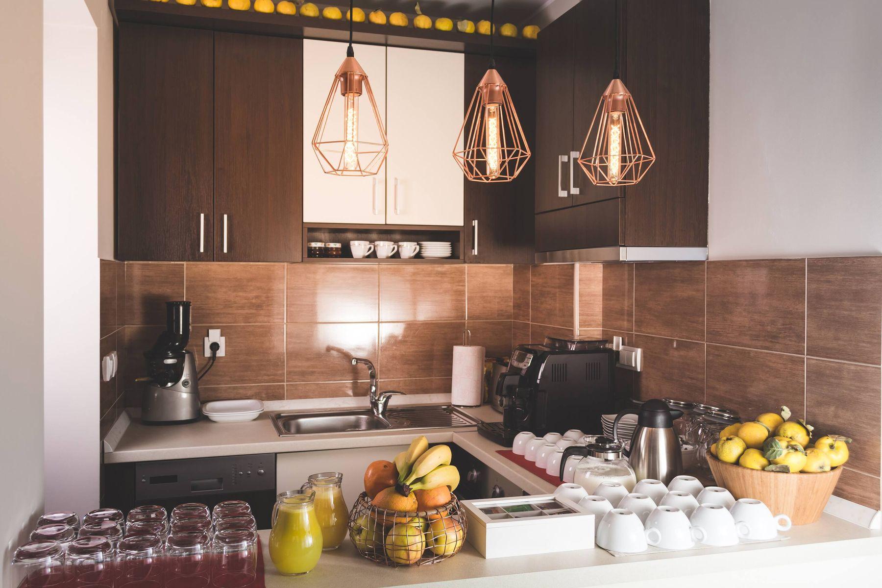 cách trang trí nhà bếp bằng đèn led