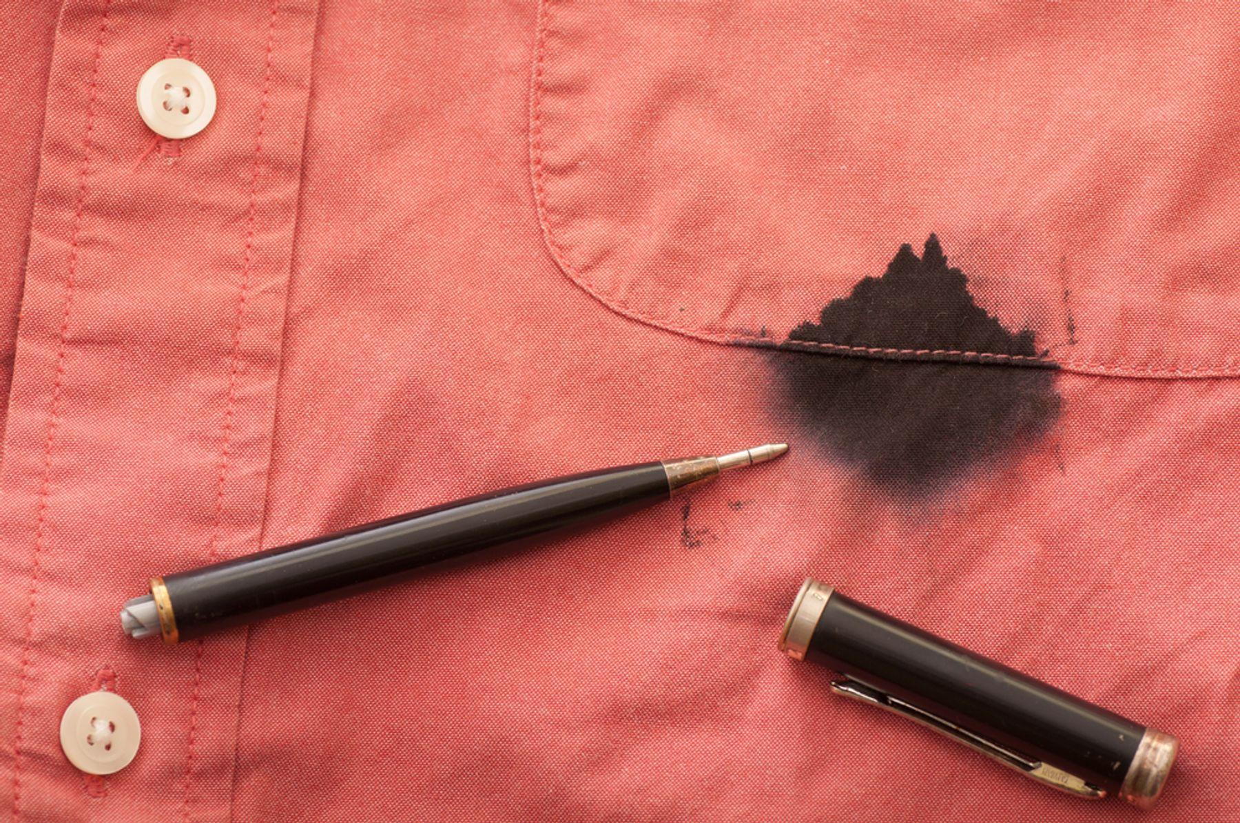 Cách tẩy mực trên áo lâu ngày