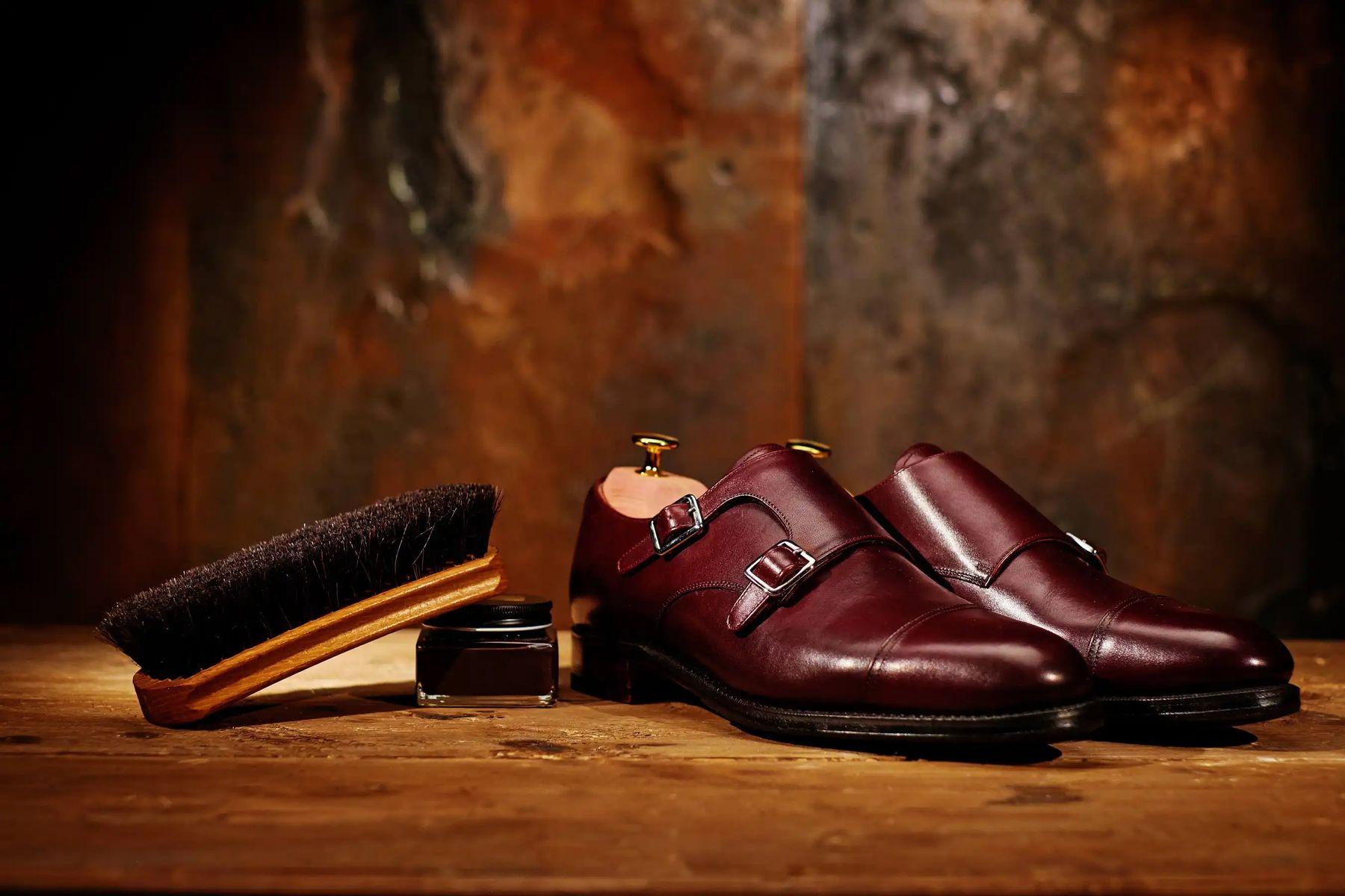 rugan ayakkabı nasıl parlatılır