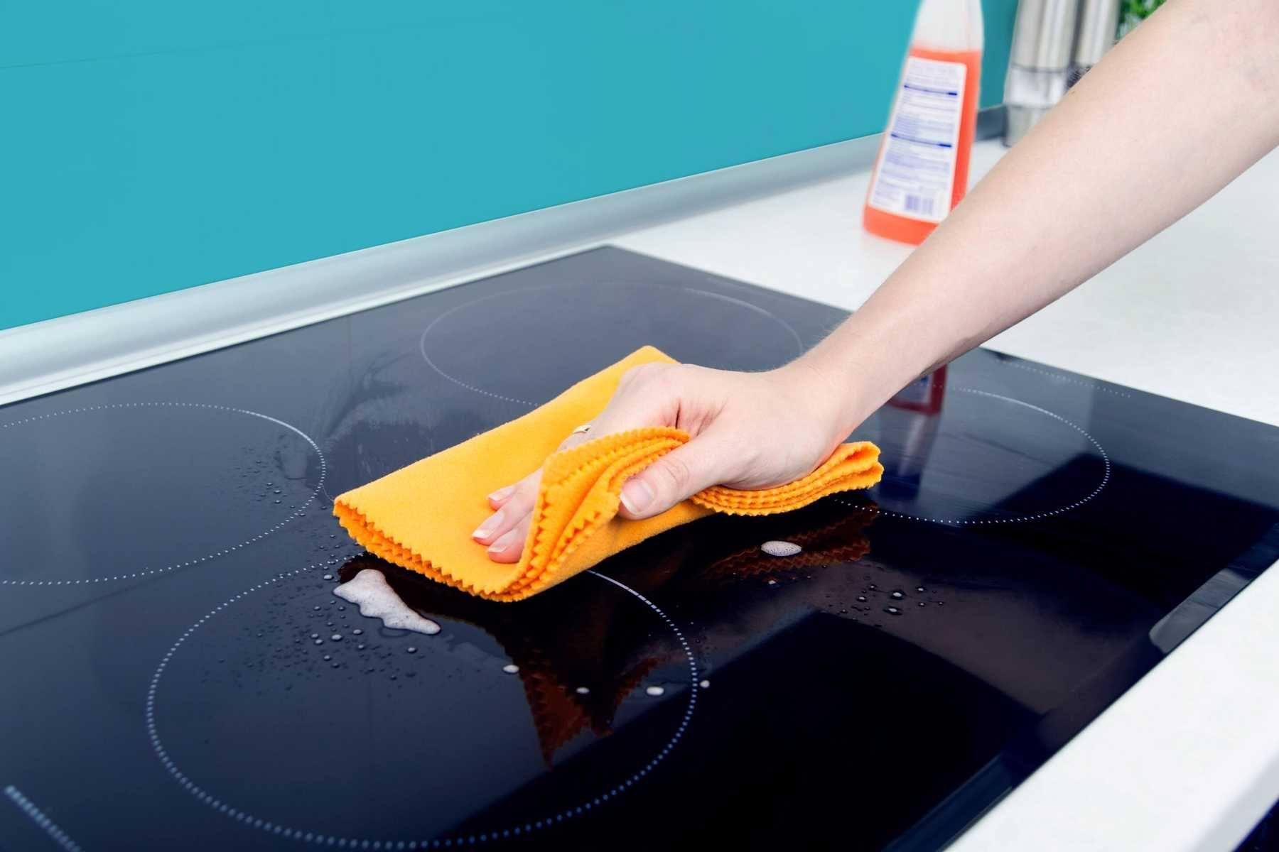 3 Cách vệ sinh bếp từ bị cháy vô cùng hiệu quả