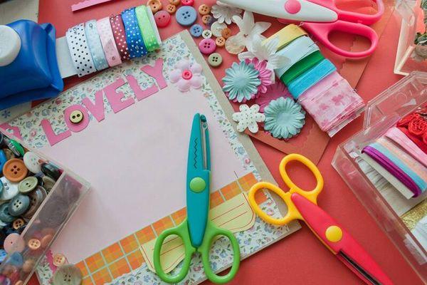 3 Ý tưởng trang trí bàn học cực hay cho bé