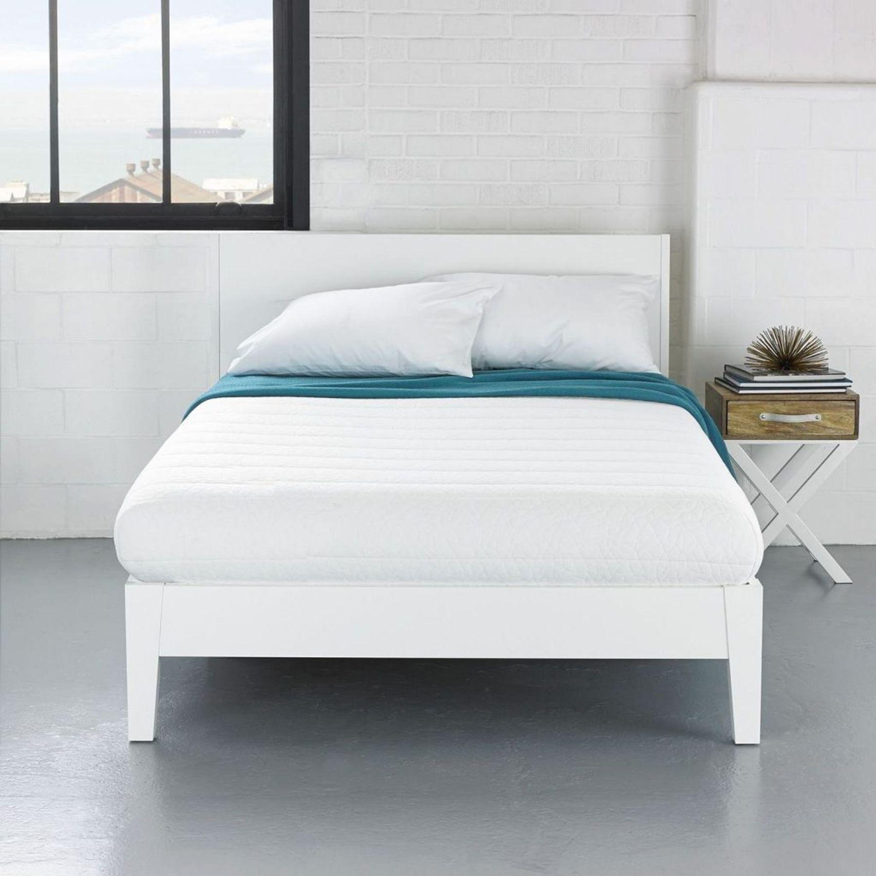Vệ sinh nệm phòng ngủ đơn giản