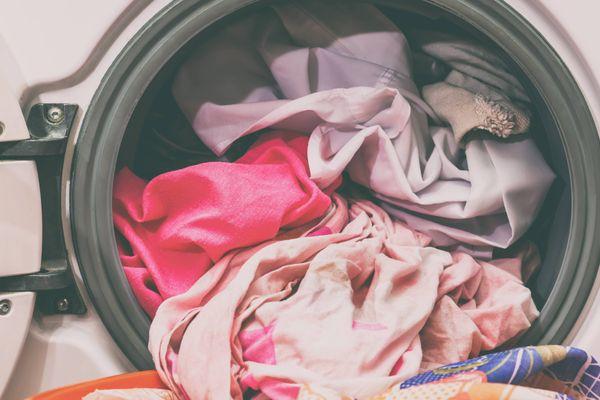 Những điều cần lưu ý khi sử dụng máy giặt sấy khô cho quần áo