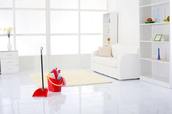 Lau dọn nhà cửa ngăn ngừa dịch bệnh COVID-19 bùng phát